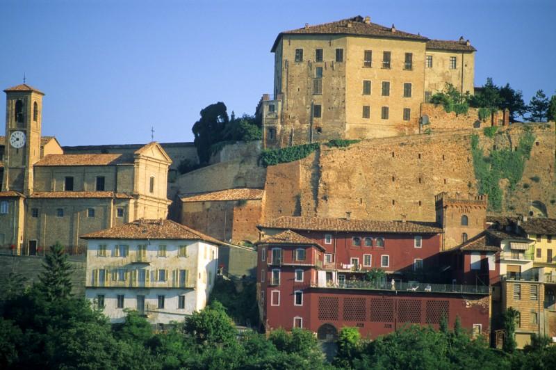 Castillinaldo village